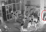 """Hà Nội: Bé trai bị cô giáo mầm non lôi ra góc đánh vì """"tội"""" tè dầm"""