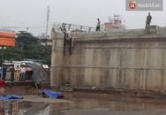 Hà Nội: Lao lên cầu vượt đang thi công, nam thanh niên rơi xuống đất tử vong