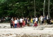 Tìm thấy thi thể 3 học sinh đuối nước khi tắm biển