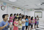 """Anna Trương về nước đứng lớp """"Dàn đồng ca mùa hạ"""" Choir Link tại Language Link Vietnam"""