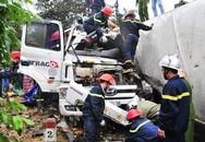 Xe đầu kéo lật vào xe tải, 2 người tử vong