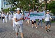 """Hàng trăm người ở Đà Nẵng đi bộ """"Hành trình hướng về trái tim khỏe"""""""