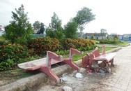 Đạp đổ ghế đá công viên khi bị người yêu nói lời chia tay