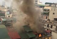 Hà Nội: Cháy ở tầng 4 khu tập thể cũ, cứu hộ gặp khó