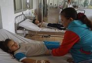 15 học sinh ngộ độc sau buổi cơm trưa