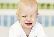 Cha mẹ cần làm gì khi bé hay khóc đêm?