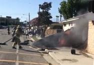 Máy bay rơi xuống sân nhà dân, phi công tử nạn
