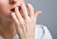 Nguy hại khôn lường khi cắn móng tay