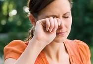Vì sao thường xuyên bị nháy mắt?