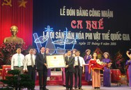Đón bằng công nhận Ca Huế là Di sản văn hóa phi vật thể quốc gia
