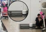 Chờ máy bay cất cánh, hành khách tranh thủ nấu cơm ngay tại sân bay