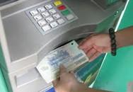 """Bắt 3 """"ông tây"""" làm thẻ ATM giả trộm nhiều tiền ở Hội An"""