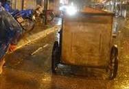 Đang quét đường, nữ lao công bị xe đâm tử vong