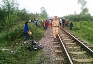 Băng qua đường sắt, nữ sinh bị tàu hỏa đâm văng 30 met
