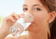 Nóng 40 độ, cơ thể cần bao nhiêu nước/ngày?