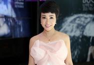 Uyên Linh hát trong show diễn thời trang cưới cho người đồng tính