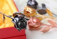 Quà lạ 20/10: Hoa vàng đen, vàng hồng ăn theo iPhone 6S