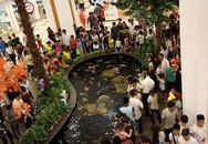 Sau lễ diễu binh, các khu vui chơi đông nghẹt người