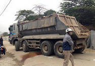 Nữ sinh viên chết thảm dưới bánh xe tải chở đất