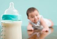 Có nên cho con uống sữa thay nước?