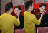 Miu Lê bất ngờ khóc trước giờ họp báo