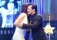 Trương Ngọc Ánh ôm hôn chồng cũ trên sân khấu