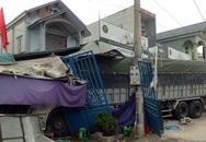 Xe tải mất lái tông sập 5 ngôi nhà