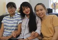 Ba nữ sinh cùng lớp chuyên Anh giành điểm 10 môn Toán