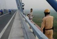 Đội trưởng CSGT khuyên can nam thanh niên định tự tử vì tình