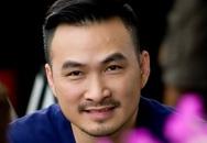 Chi Bảo trở lại phim trường sau tai nạn gãy chân