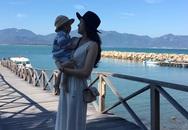 Siêu mẫu Ngọc Thạch cùng chồng đưa con trai đi nghỉ mát