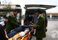 Hà Nội: Giật xong túi xách của cô gái, hai tên cướp cầm gạch ném CSGT