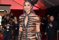 """Những kiểu mặc hở hang """"khó đỡ"""" ở Grammy 2016"""