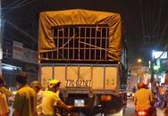 Lạc tay lái, 2 phụ nữ bị xe tải tông nguy kịch