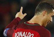 Hai đường cạo bí ẩn trên gáy C. Ronaldo