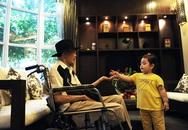 Nhạc sĩ Thanh Tùng rơi nước mắt cầm tay con cháu trước khi mất