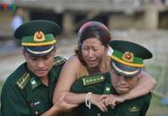 Khoảnh khắc đau đớn vụ lật tàu sông Hàn