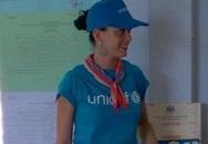 Katy Perry giản dị đến thăm trẻ em tại Khánh Hòa