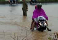 """Hà Nội: Chung cư Dương Nội bị cô lập trong biển nước vì bão """"Thần Sét"""""""