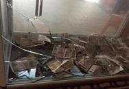 Đập hòm công đức để trộm tiền trong chùa