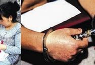 Cha và ông nội 3 lần tìm cách giết bé trai 15 ngày tuổi