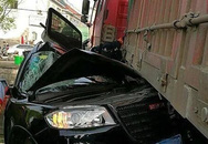 2 phụ nữ thoát chết kỳ diệu sau khi bị container đè bẹp