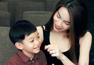 Su Beo nhí nhố đáng yêu theo mẹ đi tập chương trình