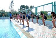 Trăn trở đưa môn bơi vào dạy trong trường học