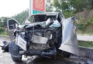 """Xe bán tải tông xe """"hổ vồ"""", 8 người thương vong"""