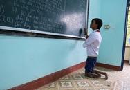Cậu học trò đi bằng đầu gối ước trở thành giáo viên tin học