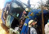 46 người ngất xỉu, kêu cứu dưới vực sâu khi ôtô bị lật