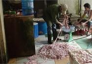 Ghê rợn lòng lợn tẩm chất tẩy rửa công nghiệp Trung Quốc