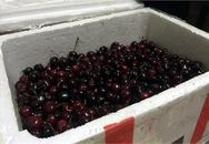 Bay từ Mỹ về Việt Nam, thùng cherry bị vơi mất 1/3