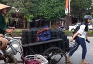 Gặp 3 nữ sinh vừa giỏi vừa xinh đẩy xe than giúp bà cụ